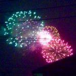 スマホ用望遠レンズで、花火大会を撮った…