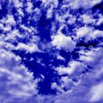週末は、月を撮ったり、太陽を撮ったり、雲を撮ったり。それから、写真を加工してみると…
