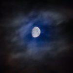 梅雨の合間、久し振りに月を撮った。あと、あの宇宙ステーションが遂に落ちるのか…