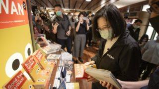 世界初の24時間営業書店、今夜24時に24年間の営業を終える 誠品書店敦南店(台北)